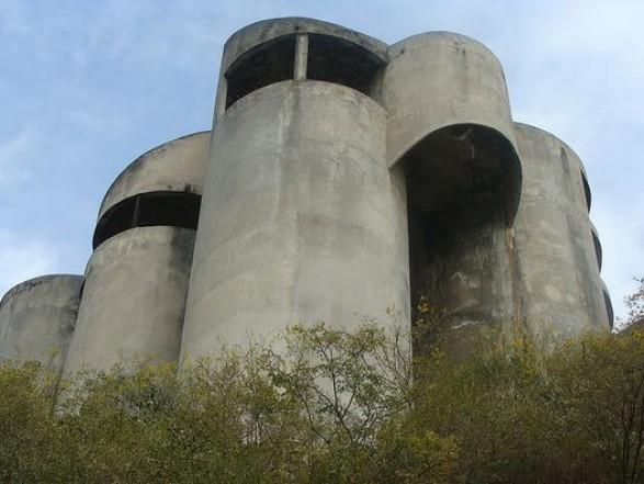 pueblos-y-casas-fantasma-de-mexico-05-casatubos2_587_441_90